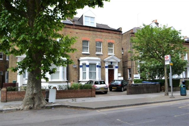 Brondesbury Road, Queens Park/Kilburn, London NW6 6BP (LET)