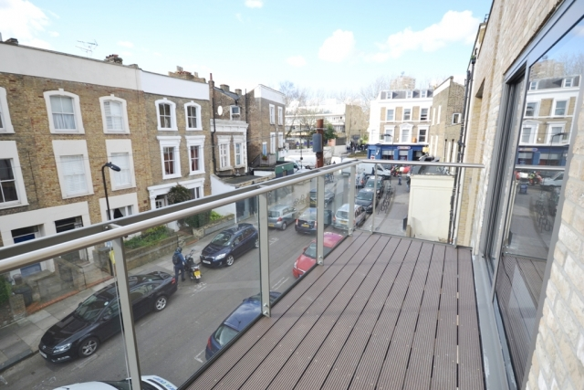 The Town Apartments, Allcroft Road, Kentish Town, London NW5 4NB (LET)